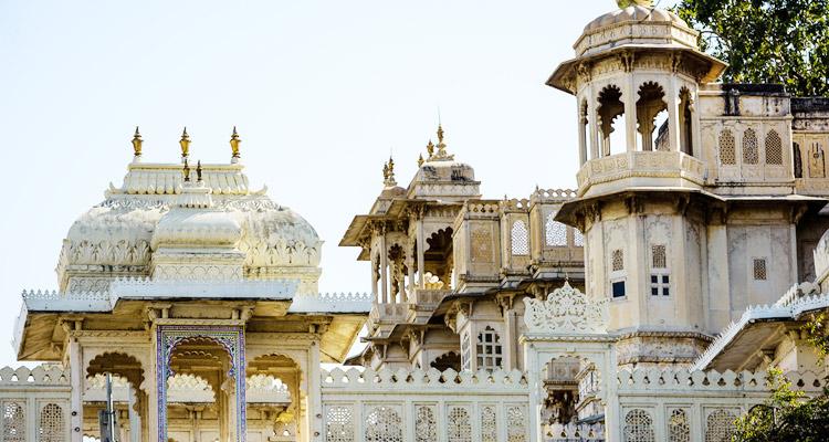 city palace udaipur indian tourism history