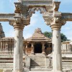 Sas bahu temple